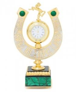 Часы  Подкова на удачу  камень малахит